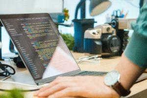Open source vs logiciels propriétaires
